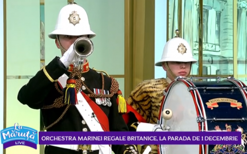VIDEO Orchestra Marinei Regale Britanice face show  La Măruță