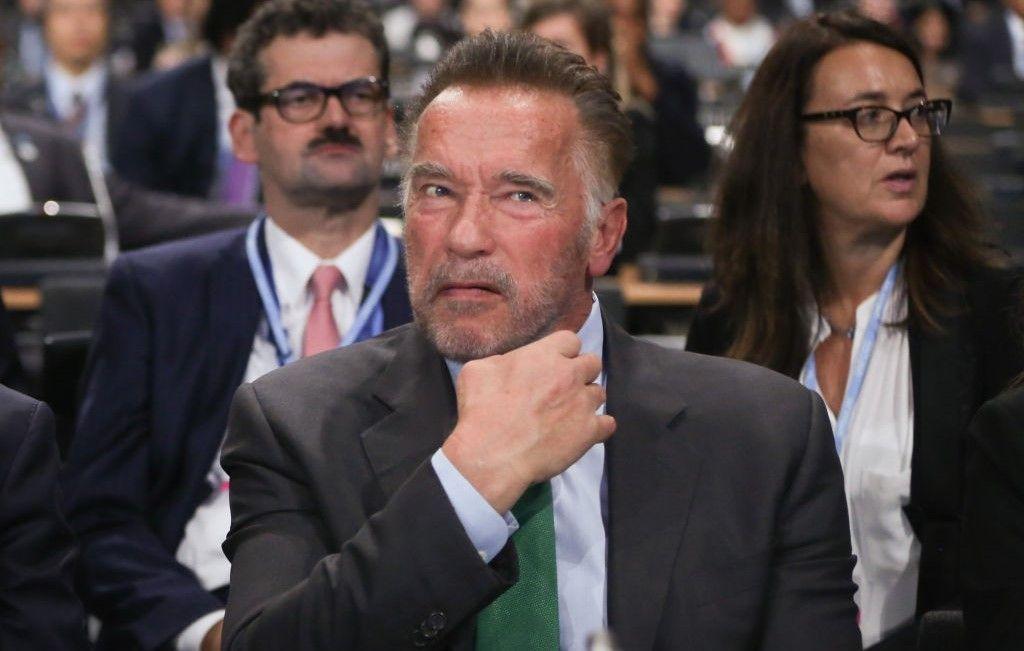 Asta-i bună! Ce ar face Schwarzenegger dacă s-ar putea întoarce în timp ca Terminator