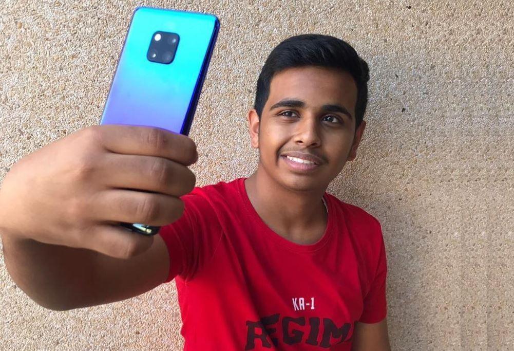 Puștiul răsfățat al Dubaiului: la 16 ani are mai mulți bani decât starurile cu care apare în poze