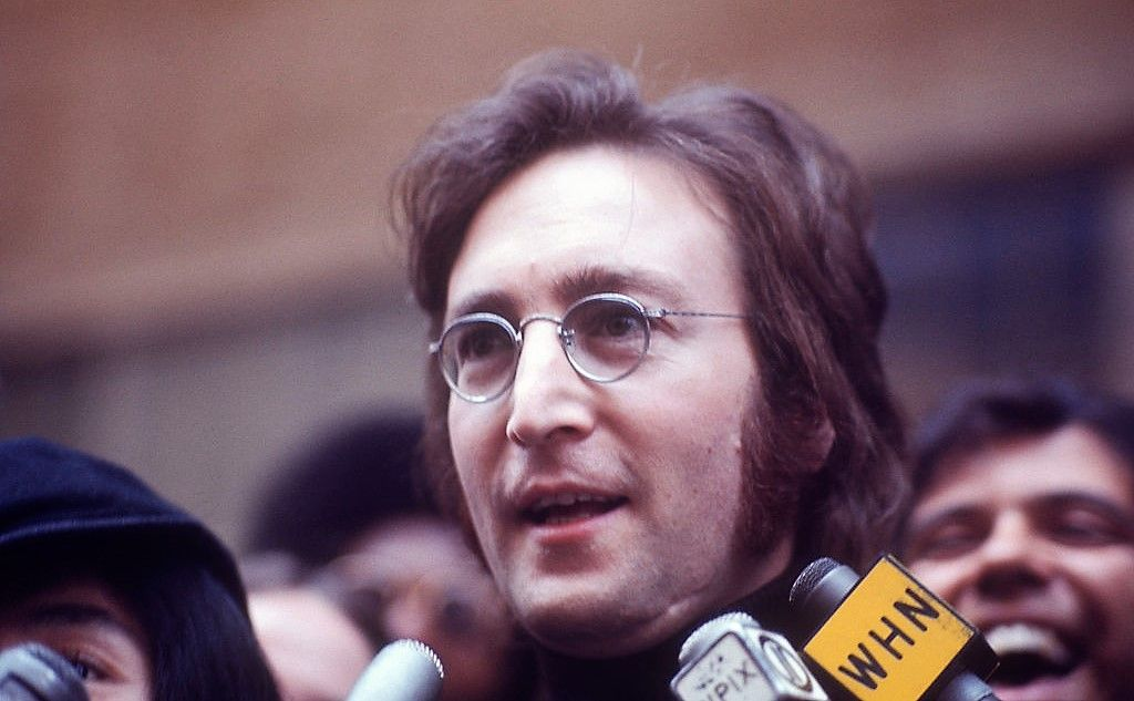Ziua în care murit un înger. 38 de ani de la asasinarea lui John Lennon
