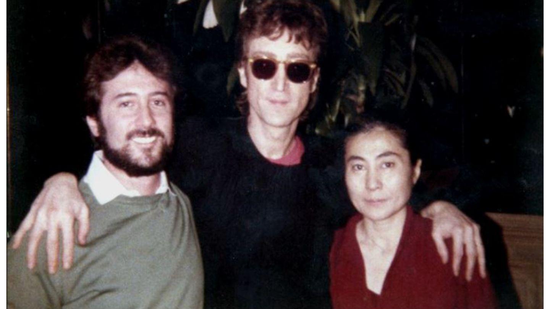 Jurnalistul care i-a luat ultimul interviu lui John Lennon lucrează și azi la radio