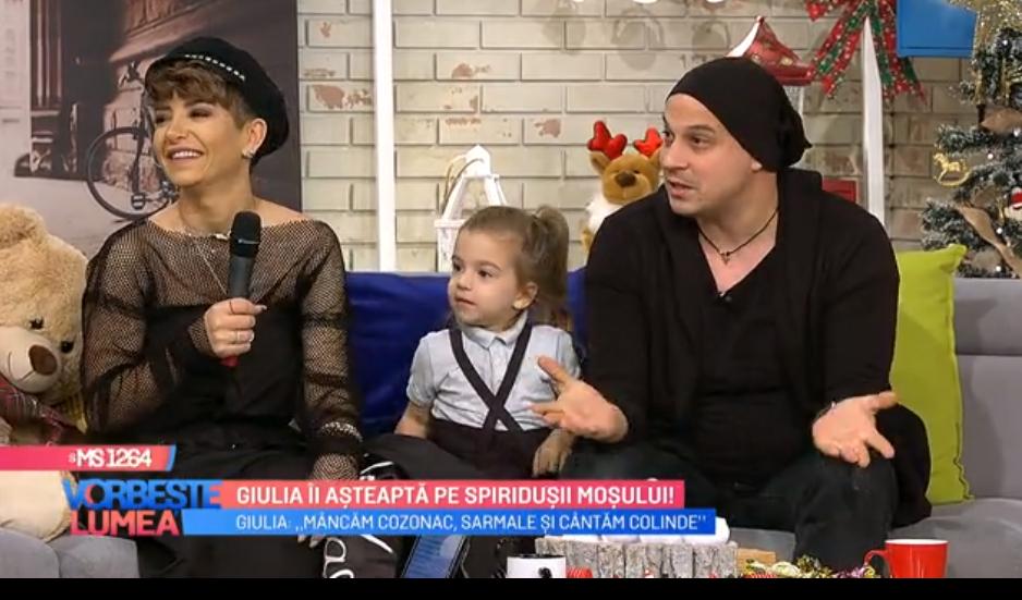 VIDEO Giulia îi așteaptă pe spiridușii moșului