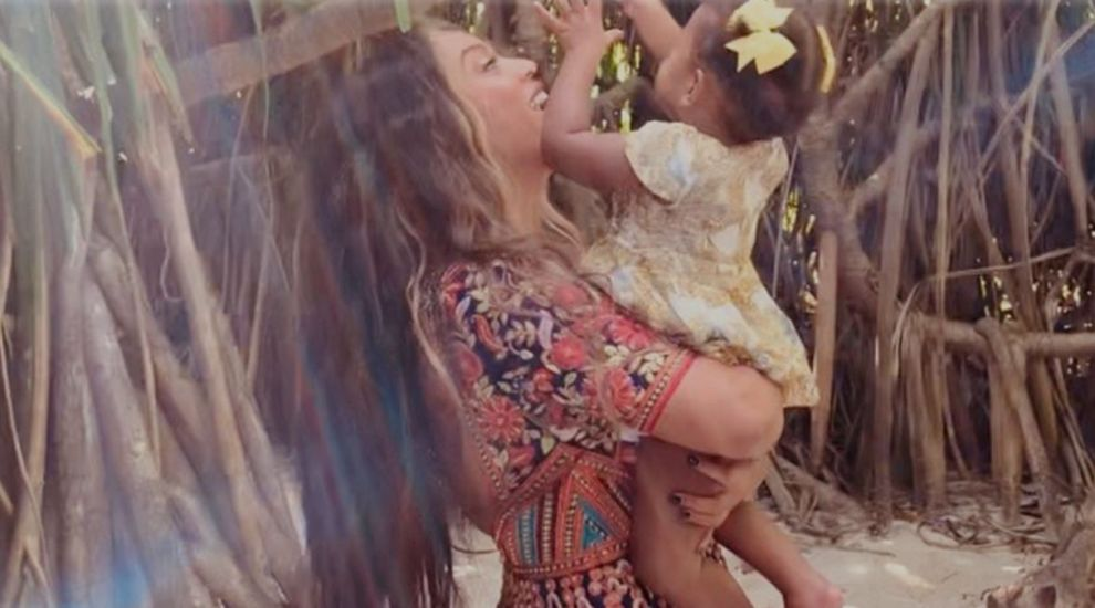 Cum arată gemenii lui Beyonce. Artista a publicat imagini rare cu cei mici