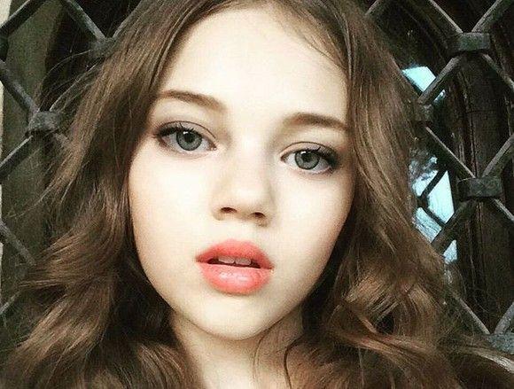 Fiica lui Ingrid Vlasov, schimbare controversată de look la doar 14 ani