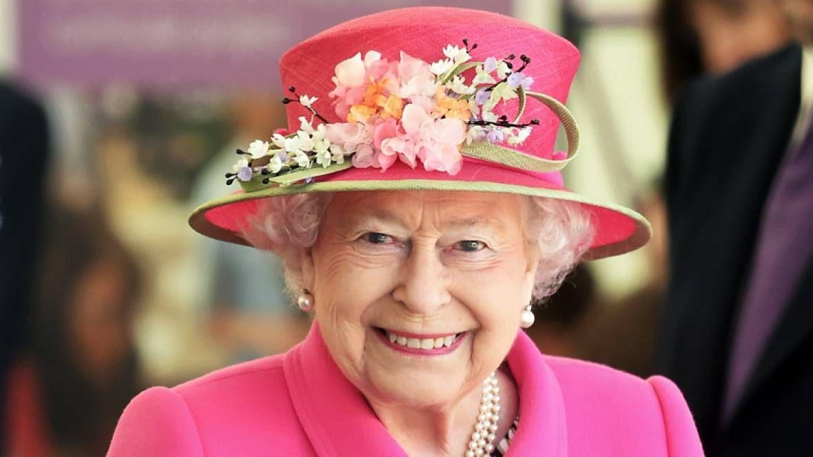 Regina Marii Britanii adoră rețelele sociale. Ce spune directorul de comunicare din Palatul Kensington