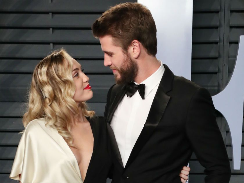 Miley Cyrus și Liam Hemsworth s-au căsătorit. Primele imagini de la nuntă