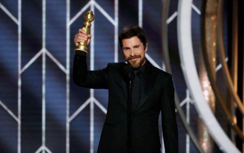 Cui i-a mulțumit Christian Bale pentru Globul de Aur câștigat în acest an