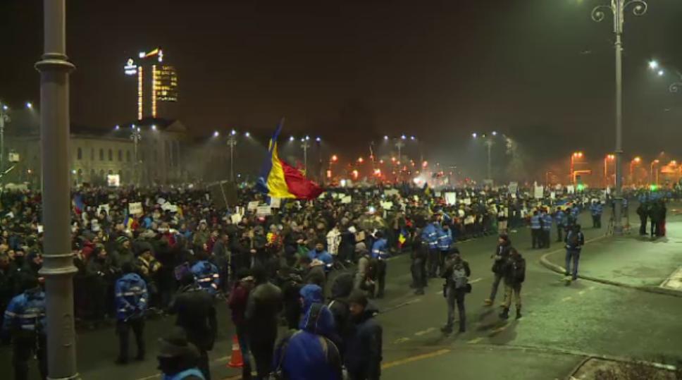 Românii sunt chemaţi din nou în stradă în acest weekend