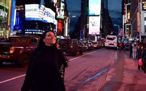 VIDEO Corina Caragea a petrecut  Anul Nou  chiar de ziua ei. Care a fost cea mai mare dezamăgire a prezentatoarei în New York