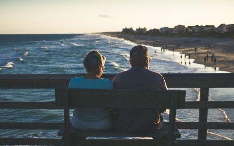 De ce se simţim singuri când suntem într-o relaţie? Aflăm vineri, la  Vorbeşte lumea