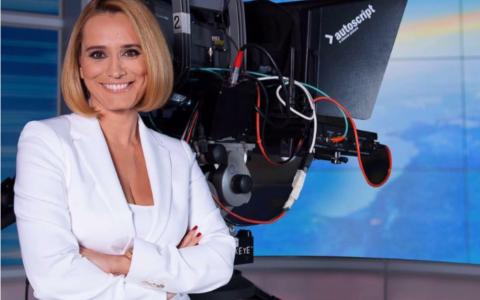 Andreea Esca, mesaj și poze simpatice pe Instagram:  Andreea, ţi-au plăcut sarmalele? . Andreea, în prezent şi acum 10 ani