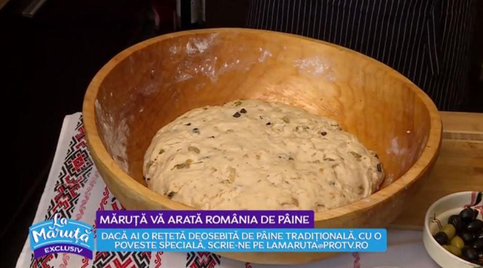 VIDEO Mihai Constandache ne arată o rețetă inedită de pâine cu ceapă și măsline