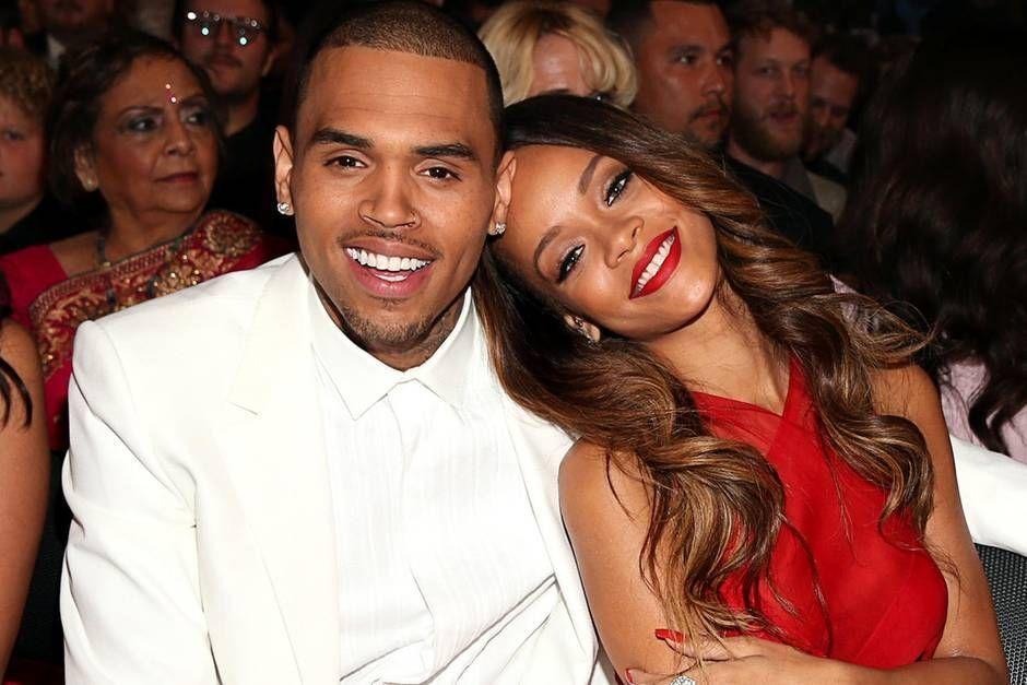 Cum a reacționat Rihanna la acuzațiile care îi sunt aduse fostului iubit