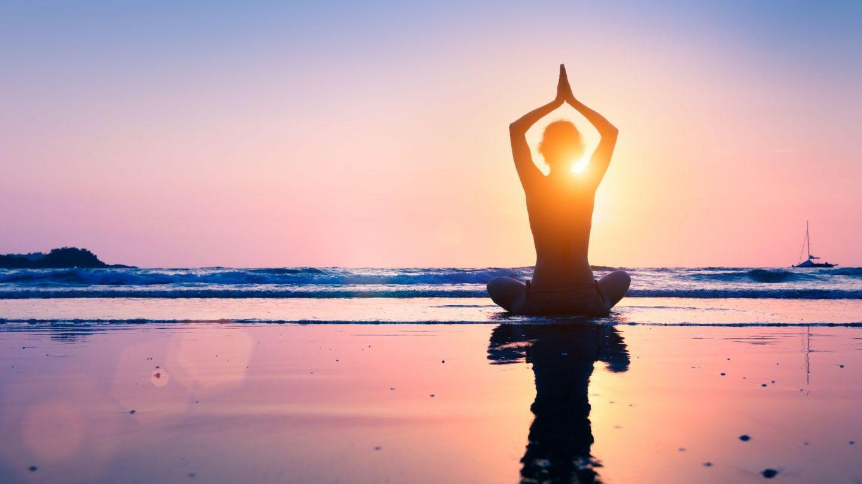 VIDEO Cum introducem yoga în rutina noastră zilnică