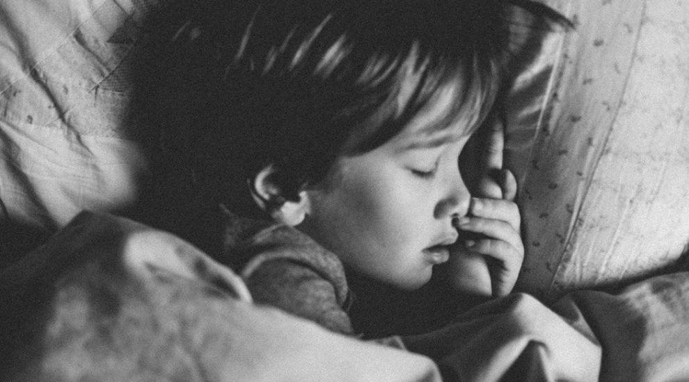 """Marţi, la """"Vorbeşte lumea"""", aflăm ce probleme ascund copiii care nu reușesc să doarmă"""