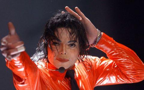 O nouă lovitură pentru familia lui Michael Jackson. Corpul megastarului ar putea fi exhumat