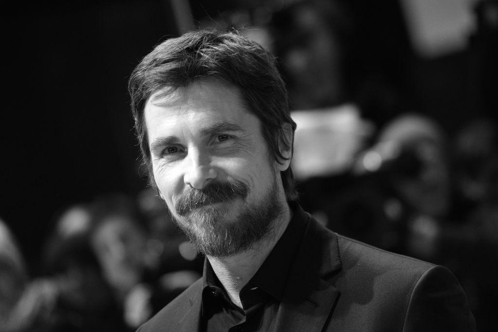 Împăcare istorică în familia lui Christian Bale. Actorul a fost iertat de mama și de sora lui