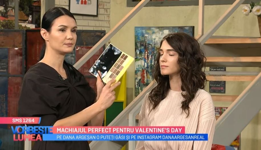VIDEO Cum să-ți faci un machiaj perfect de Valentine's Day