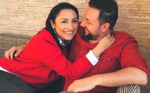 Măruţă şi Andra şi-au făcut declaraţii de dragoste. Ce cuvinte romantice şi-au spus unul altuia de Valentine s Day