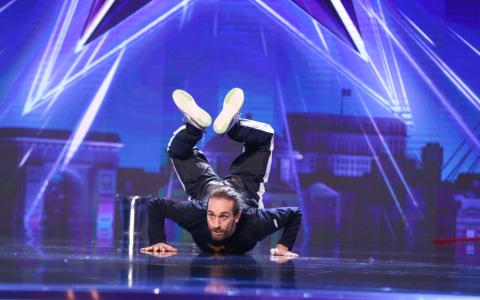 Sebastian Petrașcu a ridicat în picioare juriul și publicul cu momentul său de la Românii au Talent
