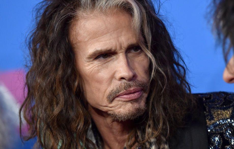 La 70 de ani, Steven Tyler, solistul Aerosmith, are o iubită de 30 de ani
