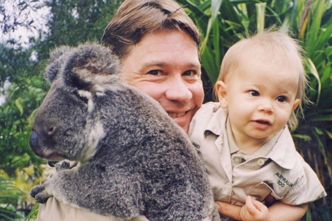 Vânătorul de crocodili Steve Irwin ar fi împlinit 57 de ani. Ce omagiu i-a adus fiica sa