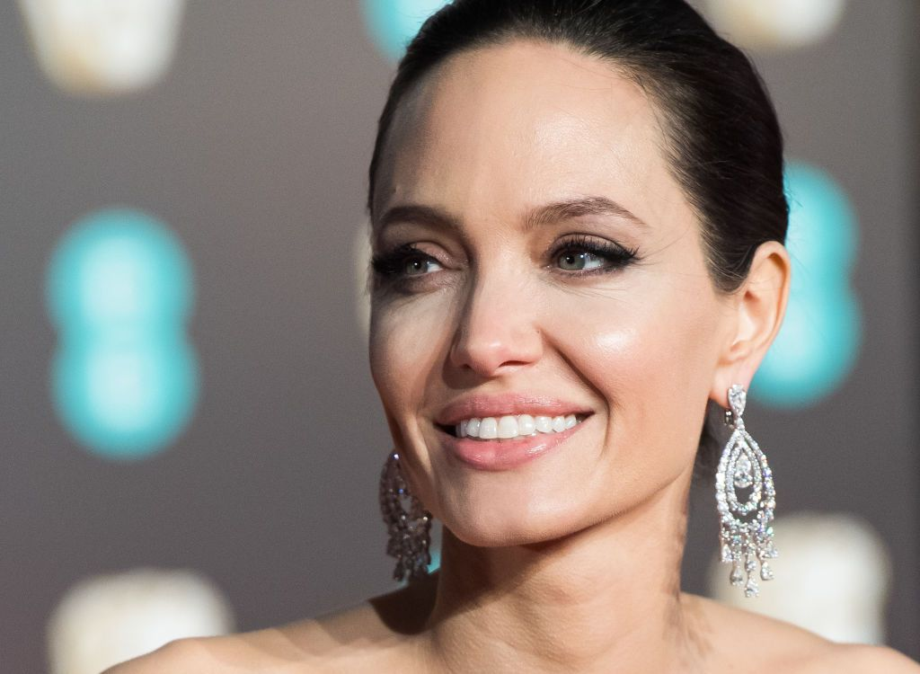 Angelina Jolie, apariție rară alături de toți cei șase copii. Cum arată aceștia acum