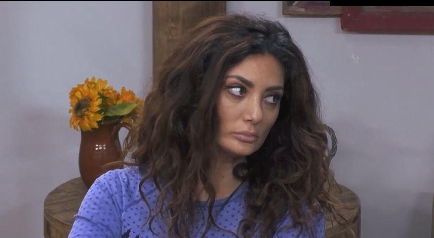 """Claudia Pavel acuză: """"Una îi spală lenjeria, alta îl scarpină după cap. E clar că sunt prieteni și sunt împotriva mea"""""""