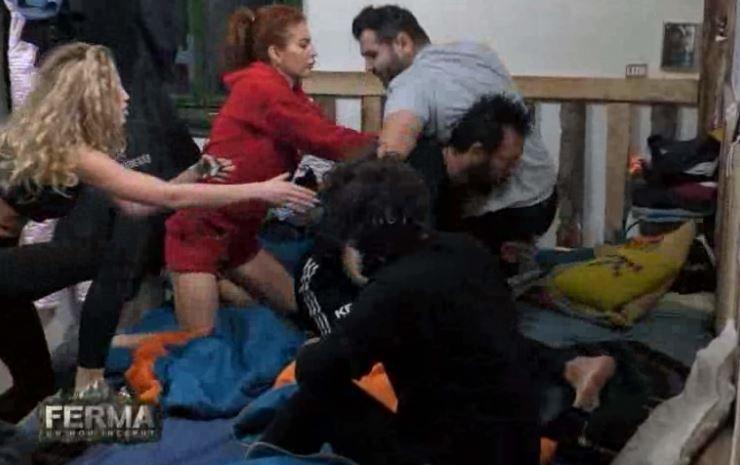 Florin Pastramă și Kamara au ajuns de la ceartă la bătaie. Motivul, una dintre fetele din cabană