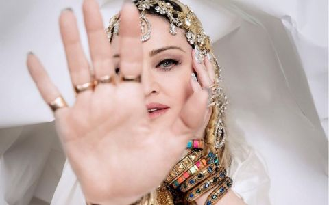 Madonna se pregătește de lansarea unui nou album cu o nouă versiune a piesei Like a virgin