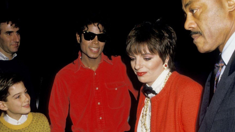 Drama familiilor copiilor bdquo;abuzați  de Michael Jackson. Doi tați s-au sinucis copleșiți de vină