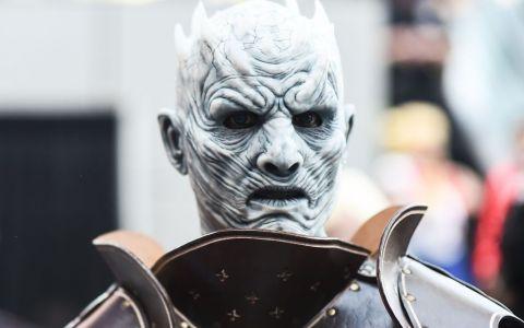 Mai e puţin şi vine în România Night King, personajul care îţi dă fiori în  Game of Thrones