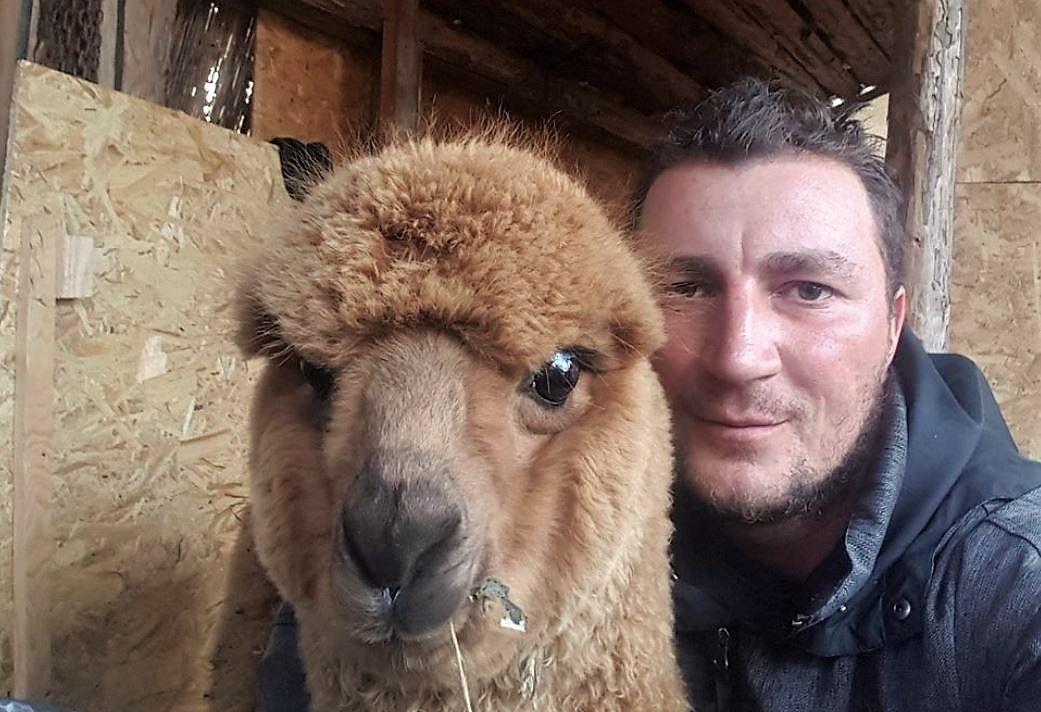 Polițistul Marian Godină, despre animalul său de companie neobișnuit: bdquo;Mă bucură prezența lui Pablo