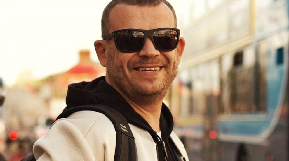 """Tataee, de la B.U.G. Mafia, despre viața """"după blocuri"""" în Barcelona: """"E o altă lume"""""""
