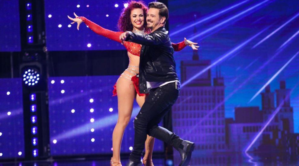"""Simona Petric, dansatoarea de salsa care a încins scena """"Românii au talent"""" alături de Mihai Petre"""