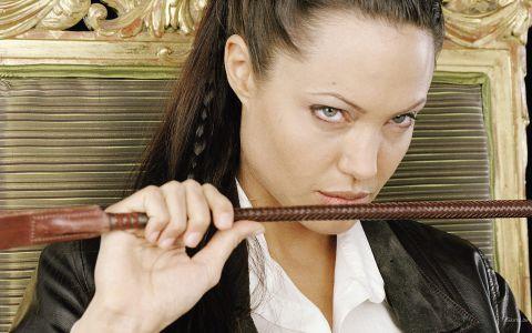 Angelina Jolie ar putea da lovitura cu un rol de supereroină. Cu cine negociază actrița