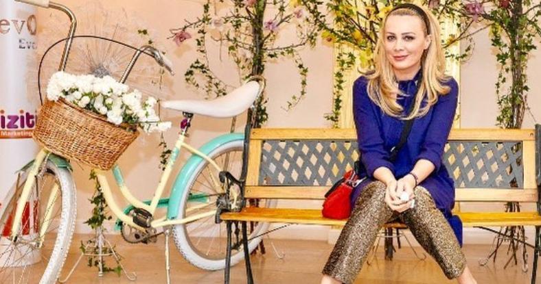 VIDEO Dana Săvuică, fashionistă și în sala de sport