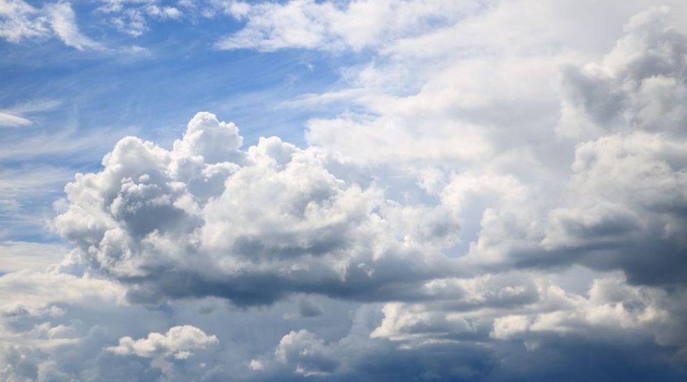 Prognoza meteo: Cer înnorat cu ploi și vănt