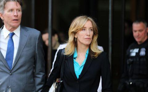 Felicity Huffman, din Neveste disperate, a pledat bdquo;vinovată  în dosarul de mituire a unor profesori