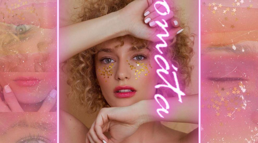 Alexia Talavutis lansează single-ul #Aromáta cu un clip care duce mai departe mesajul de bucurie al artistei