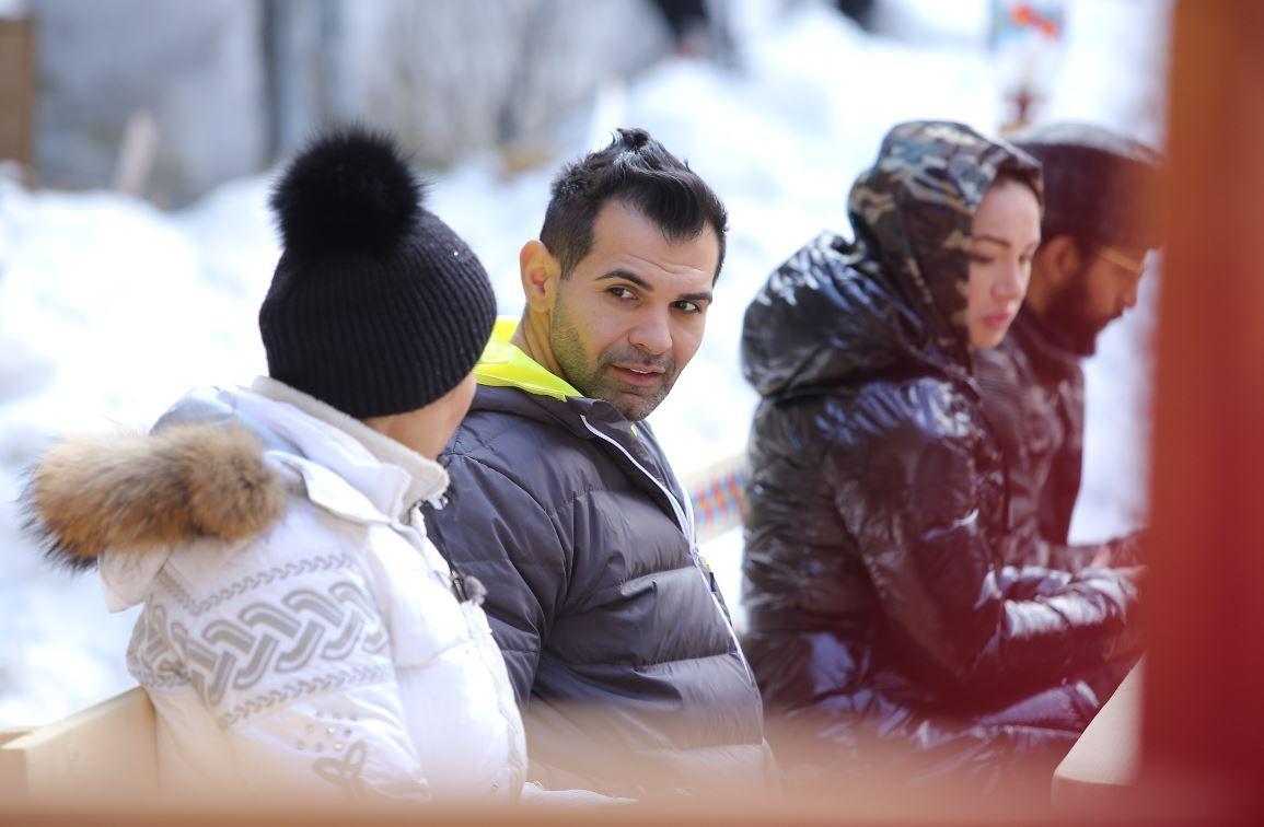 Pastramă i se destăinuie lui Zmărăndescu și îi spune adevăratul motiv pentru care stă cu Brigitte