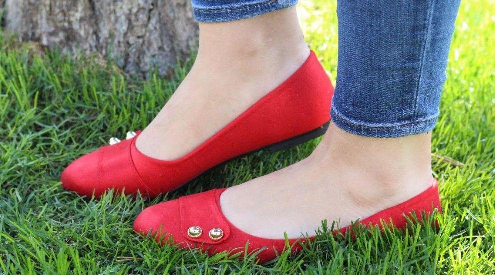 (P) Încălțăminte damă de culoare roșie – cum se asortează corect ținutelor