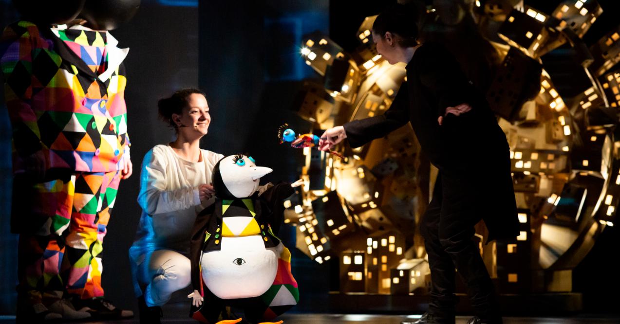 Teatrul Țăndărică vă invită în data de 24 mai 2019, ora 19:00 la premiera spectacolului  Apolodor