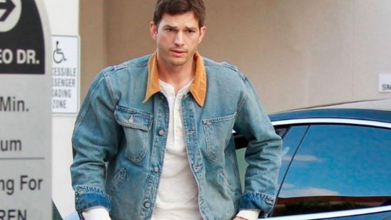 Ashton Kutcher, complet schimbat la procesul uciderii fostei sale iubite. Cum a apărut actorul la tribunal
