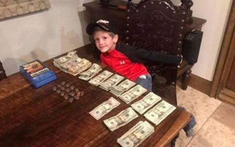 Un puști de 7 ani a strâns 22.000 $ vânzând ciocolată caldă. N-o să-ți vină să crezi ce vrea să facă cu banii