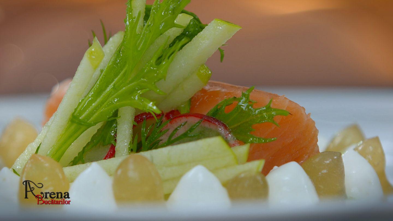 ARENA BUCĂTARILOR: Somon marinat cu cremă de hrean și jeleu de măr