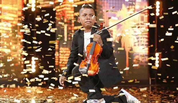 Un puști de 11 ani a primit Golden Buzz-ul lui Simon Cowell la America rsquo;s Got Talent. Ce moment a avut