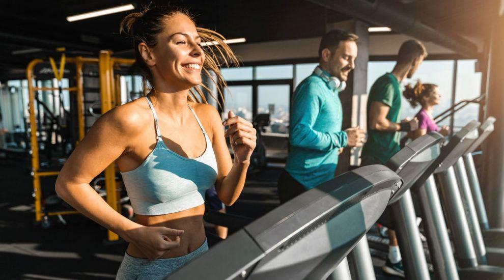 VIDEO Antrenament pe banda de alergat. Beneficiile acestor tipuri de exerciții
