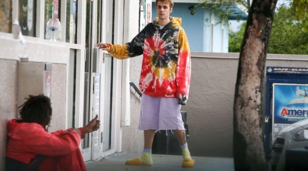 Justin Bieber, darnic cu un cerșetor din Miami. Ce reacție a avut bărbatul după ce a primit 40 de dolari