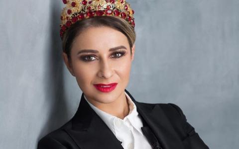 Anamaria Prodan:  Dacă vrei să faci și carieră, și bani, nu poți să stai acasă și să speli vasele!